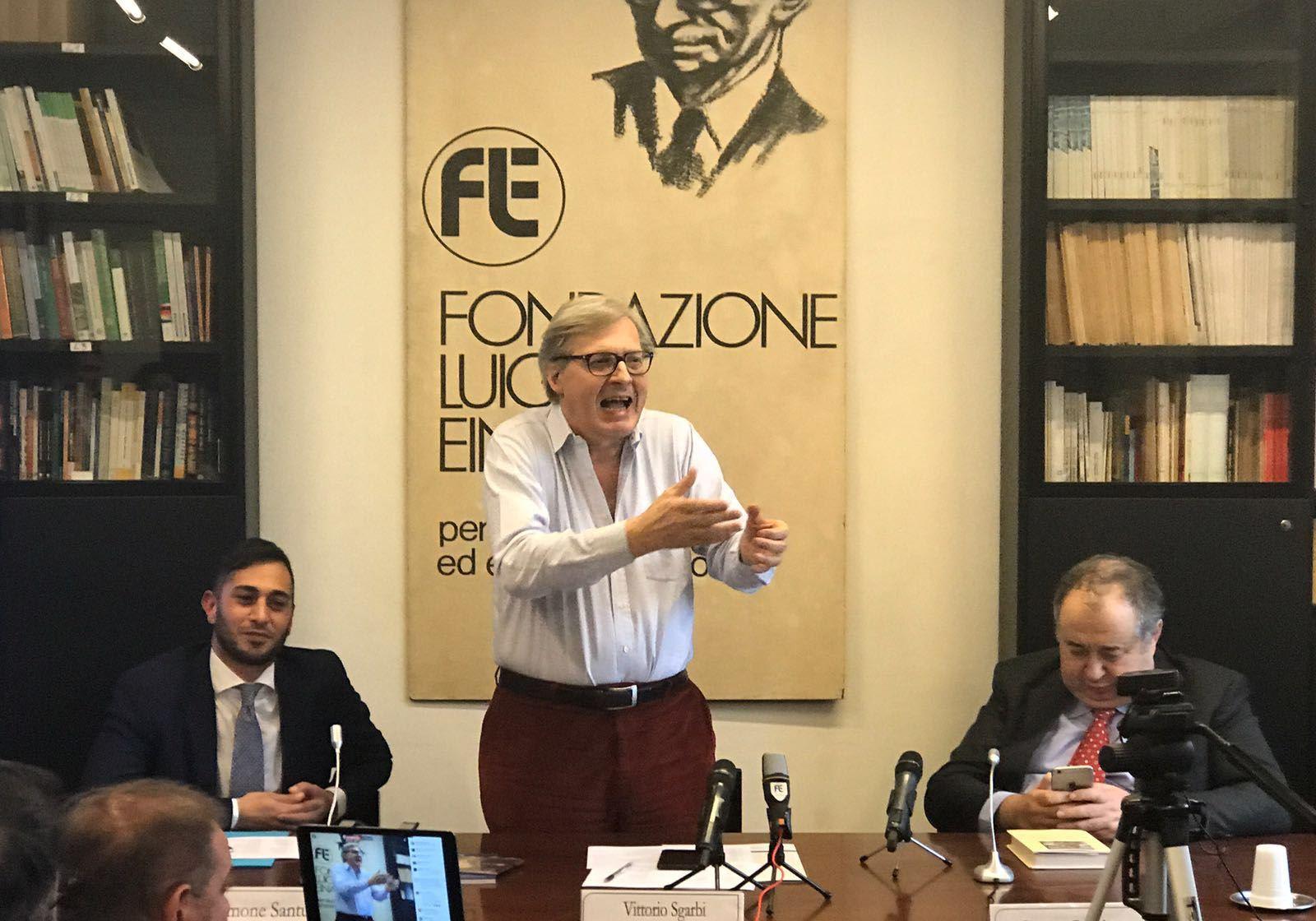 """""""Libertà e bellezza"""", la lectio magistralis di Vittorio Sgarbi"""