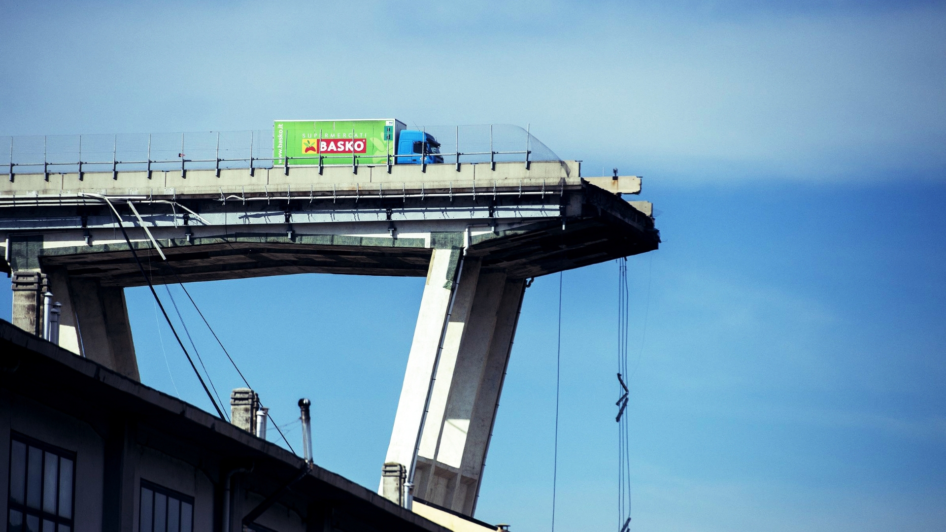 Ponte Morandi, quanto tempo e quanti soldi per ricostruirlo?