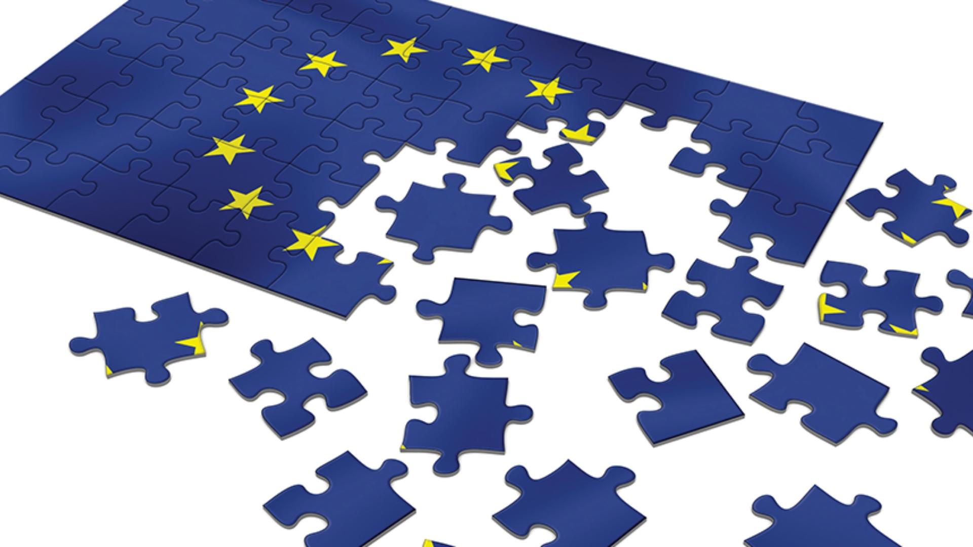 """Europa: """"Il problema non è fra l'indipendenza e l'unione; è fra l'essere uniti o scomparire […]""""."""