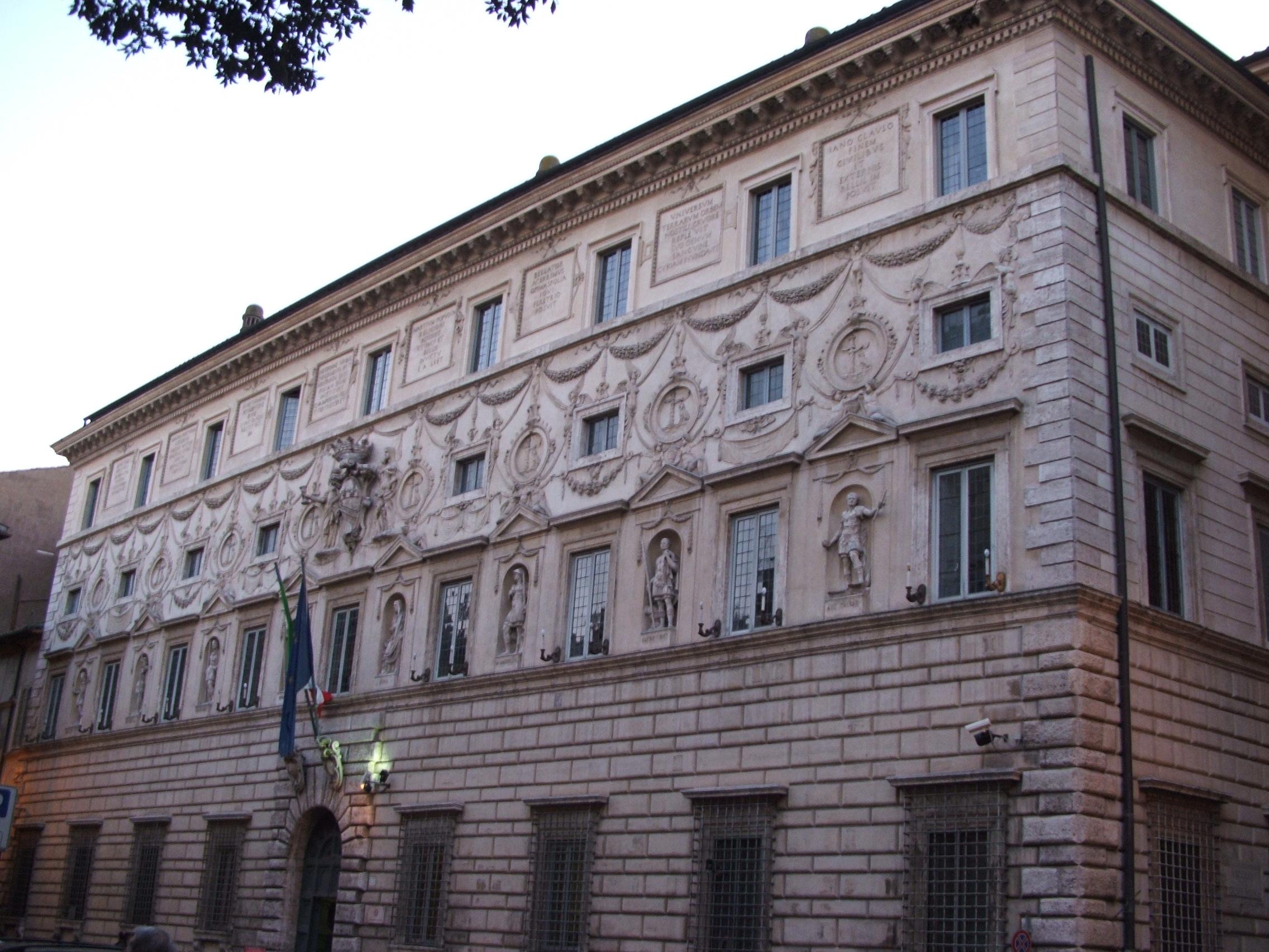 Consiglio di Stato: decreto presidenziale di sospensione efficacia sentenza TAR Lazio
